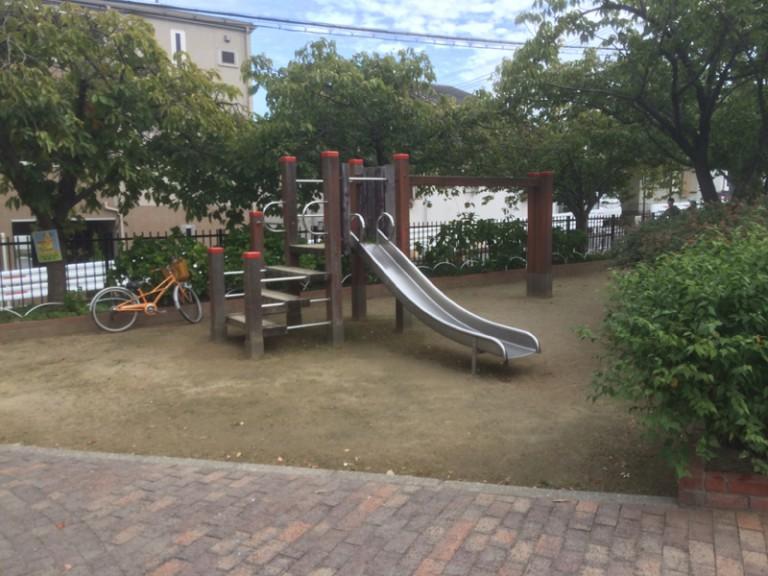 流れの馬場の公園