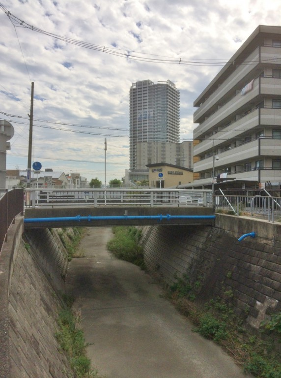 境川 摂津市駅側