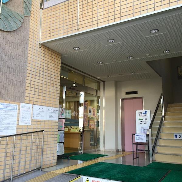 摂津市立鳥飼図書センター 1階ホール