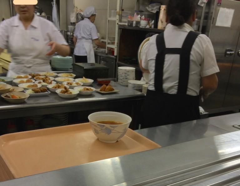 摂津市役所 食堂 食品受け渡し場所