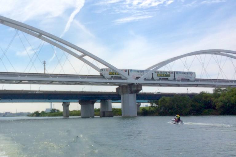 モノレール 鳥飼大橋