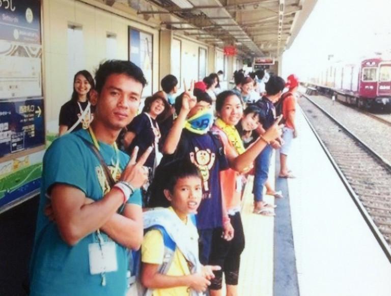 カンボジアの子供たり in 摂津市駅
