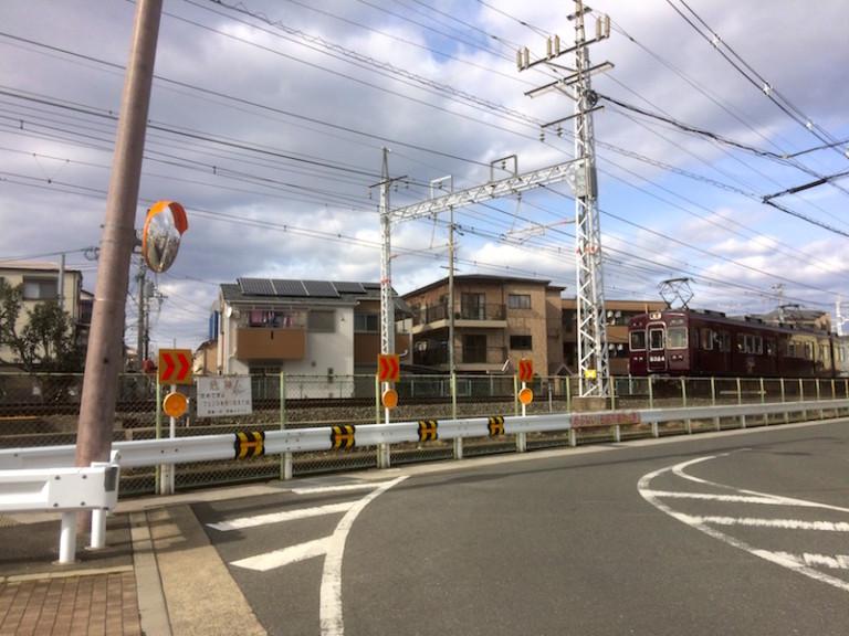 阪急電車 庄屋付近