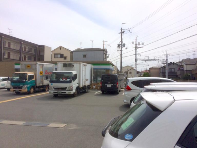 ファミマ摂津庄屋店