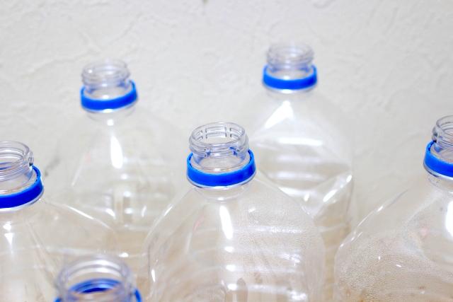 ペットボトル 排出