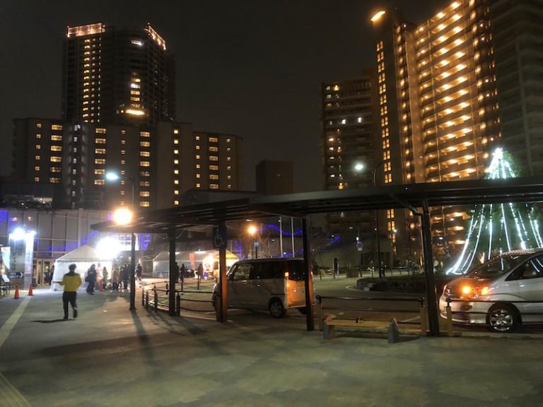 摂津市駅前