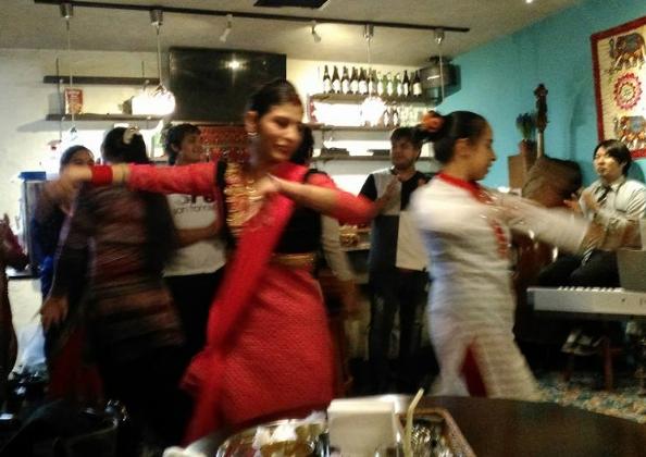 ネパール ダンス