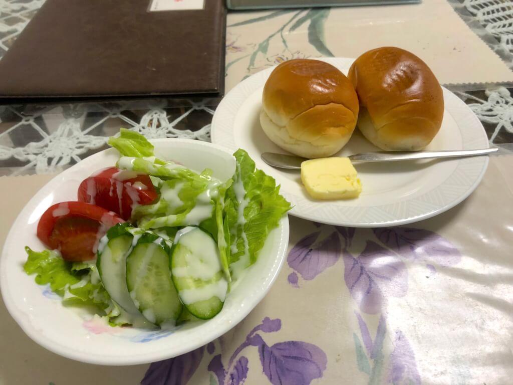 サラダ パン