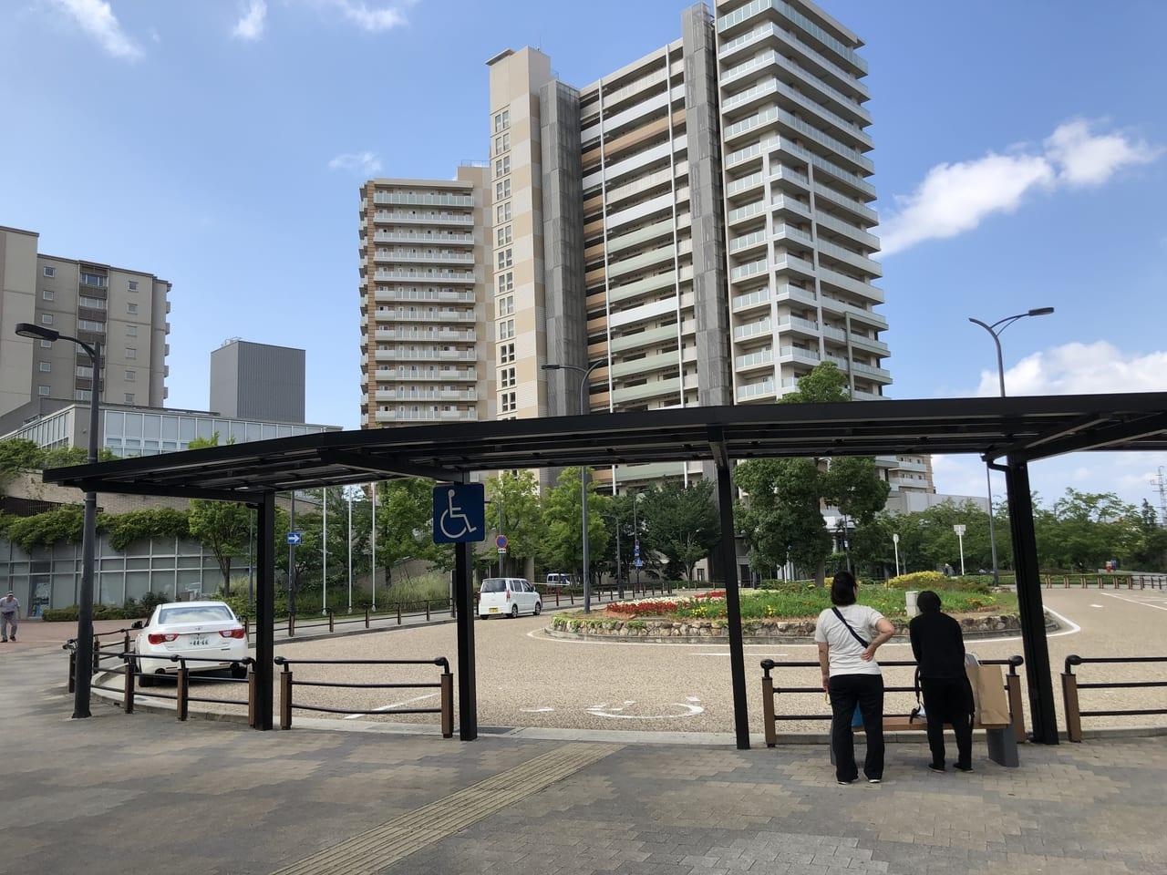 摂津市駅前ロータリー