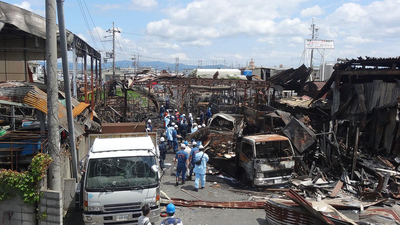 【摂津市】柱本四丁目の爆発火災はスプレー缶による爆発か。4人死傷。翌朝の現場付近の様子。