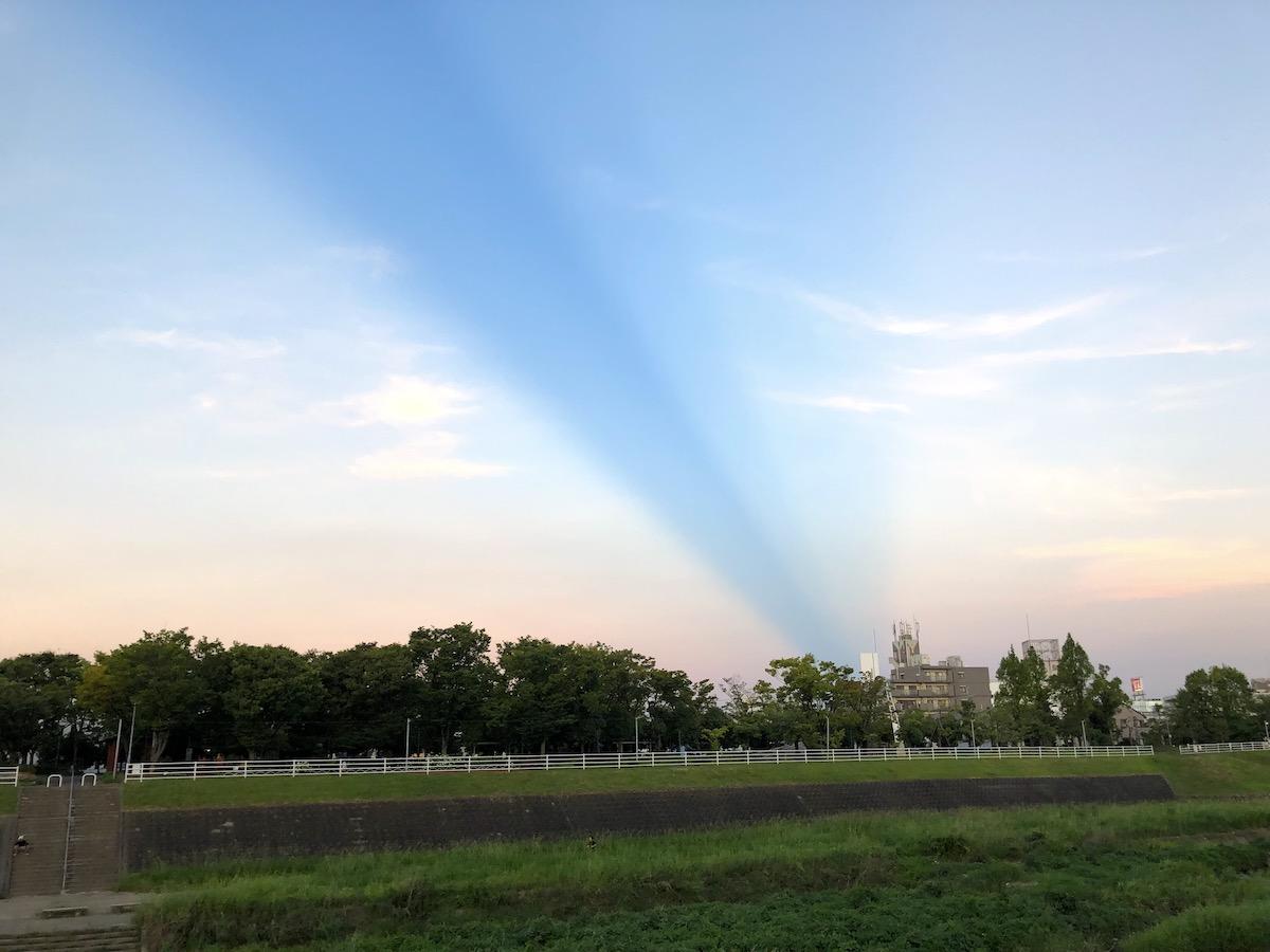 雷雲の影?