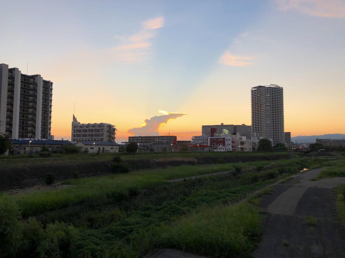 反薄明光線 雲